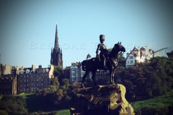 Statue in Edinburgh