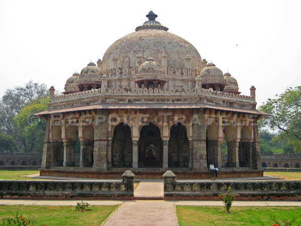 india-isa-khan-tomb-bt