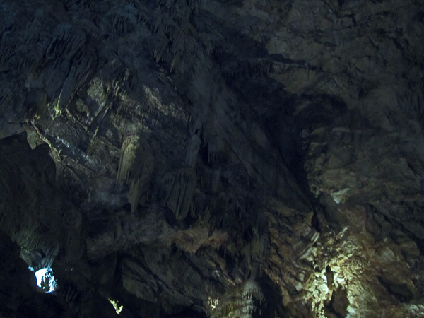 spelunking moaning cavern