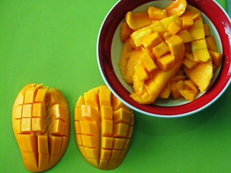Mango slices