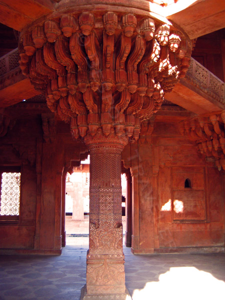 Fatehpur-Sikhri-column