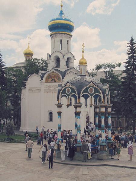 Sergeyev-posad-pilgrims