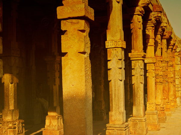 Qutub-Minar-columns