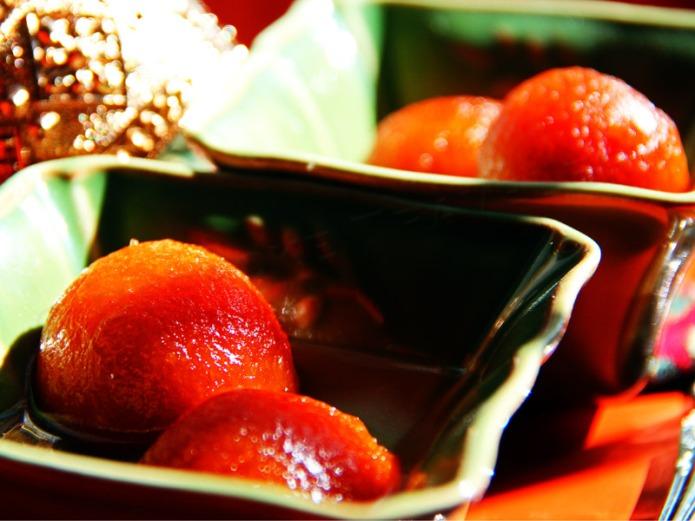 Gulab-Jamun-dessert