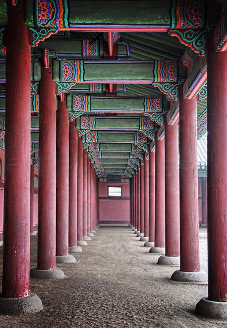 gyeongbok-columns-bt