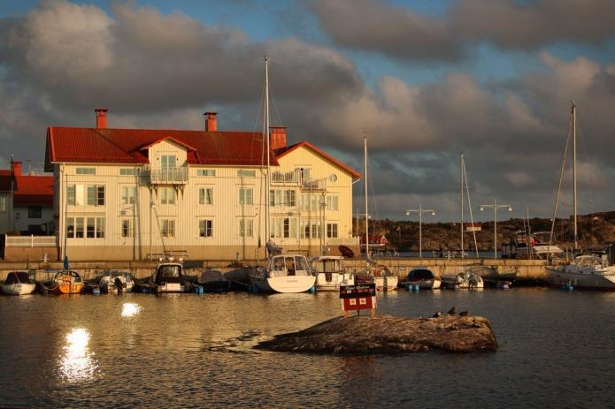 Sweden-boredom-harbor-BT