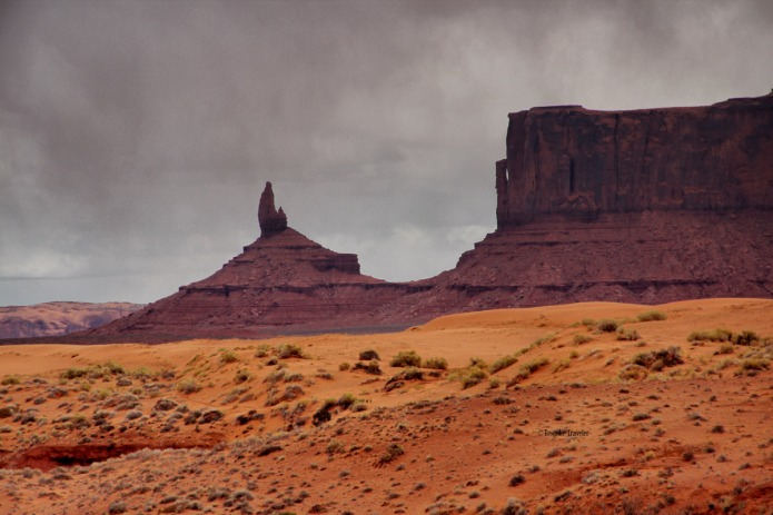 Monument-Valley-storm-BT