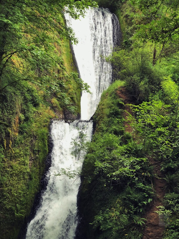 ColumbiaGorge-waterfall-BT